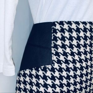 Dalia Collection Houndstooth & Leather Skirt/Size8